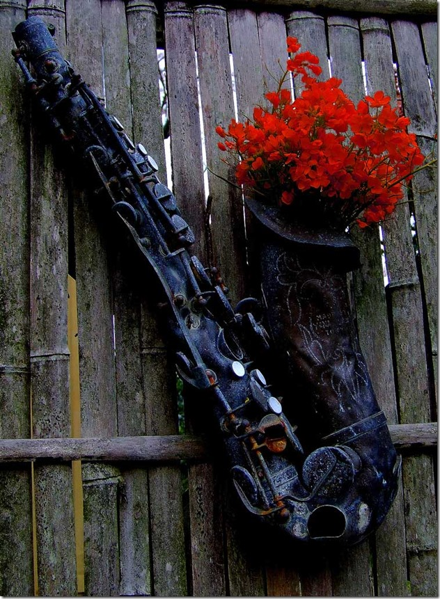 sax-on-the-fence